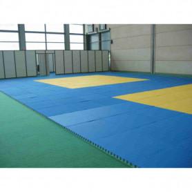 Tappeto karate ad incastro cm. 100x100x2. Colore rosso.